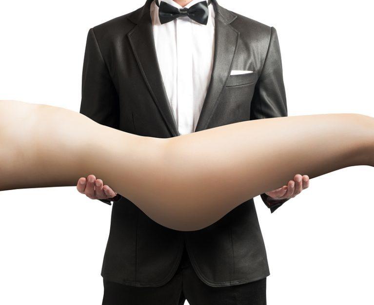 Kondome bei einer Sexpuppe verwenden